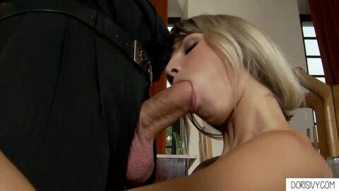 Секс с молодой и большим членом пизду