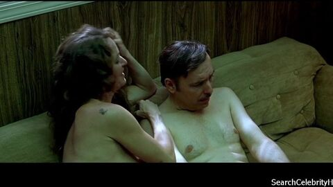 Секс Втроем С Сильвией Кристель И Радией Фрай – Эммануэль (1974)