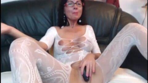Порно с мамочками в чулках