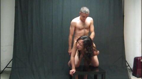 этом смотреть порно хозяйка трахнула домработницу что? чушь