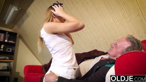 Выебал Молодую Блондику Porno Sex Roliki HD