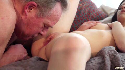 моему мнению смотреть порно фильмы про зрелых лесбиянок просто замечательное