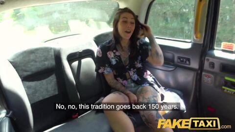 Групповушка в такси