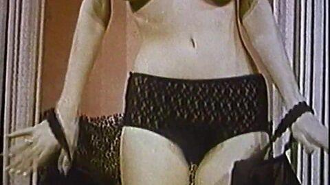 Винтажное женское белье видео купить массажер б у
